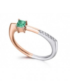 White and rose gold ring with Emerald and Diamonds