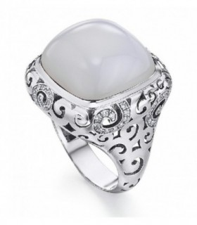 White gold ring with Agatha and Diamonds