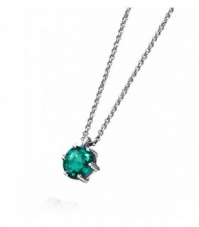 White gold pendant with a Emerald