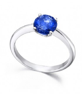 White gold ring with a Sapphire
