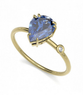 Yellow gold ring with Iolite and Diamond